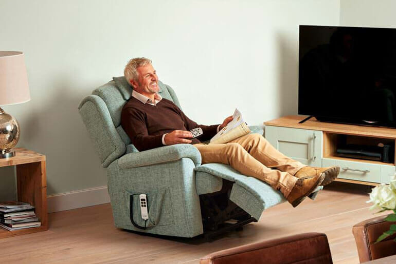 cheap recliners for sale under 200